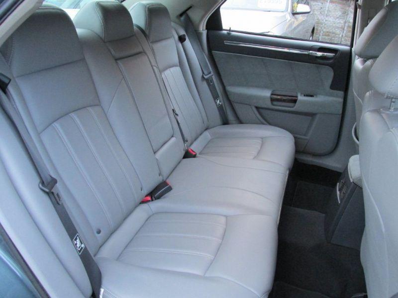 2006 Chrysler 300C 3.0CRD 4dr image 5