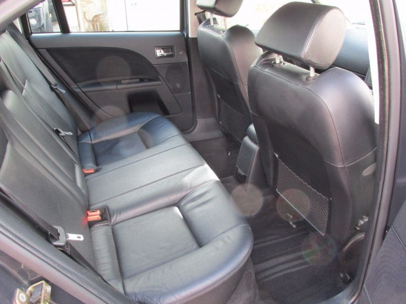 2006 Ford Mondeo 3.0 ST 220 4dr image 5