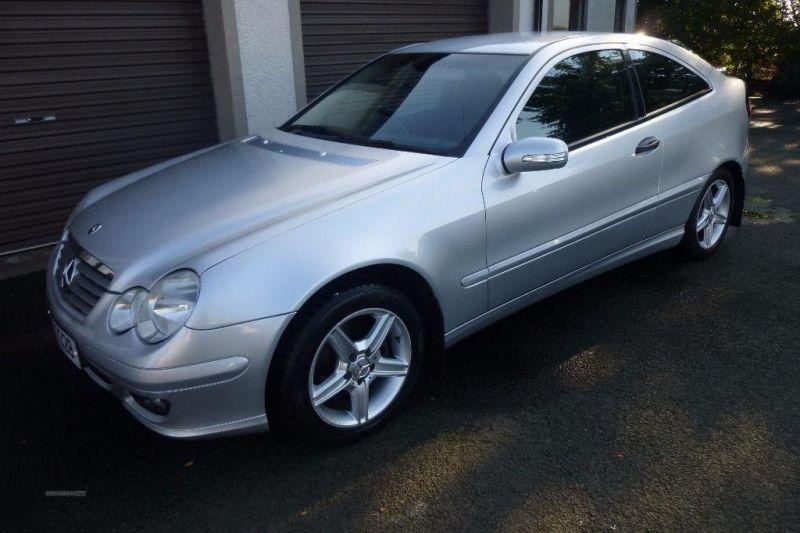2005 Mercedes Coupe C220 CDi SE image 2