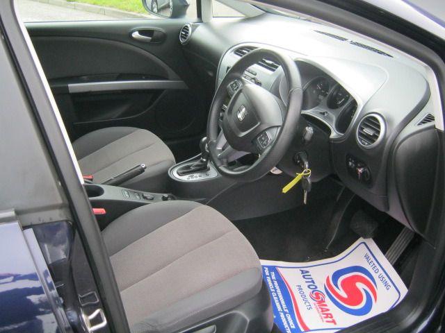 2011 SEAT LEON 1.6 CR TDI SE DSG 5d image 4
