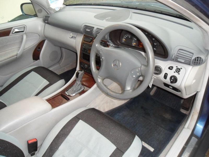 2001 Mercedes C-Class 220CDI image 4