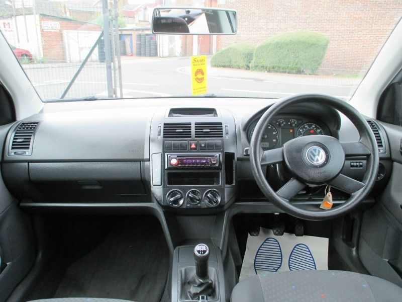 2004 Volkswagen Polo 1.2 5d image 4