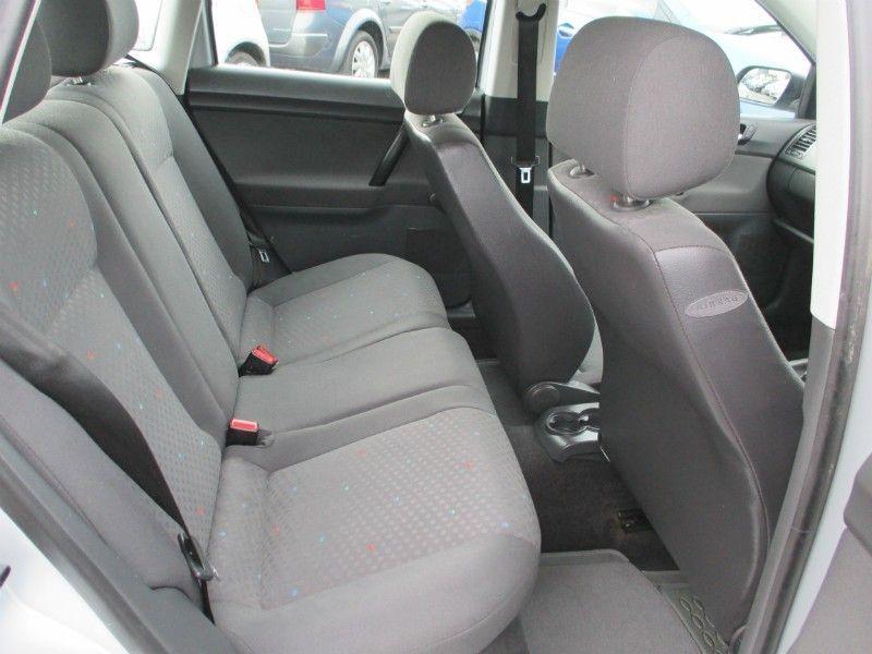 2004 Volkswagen Polo 1.2 5d image 5