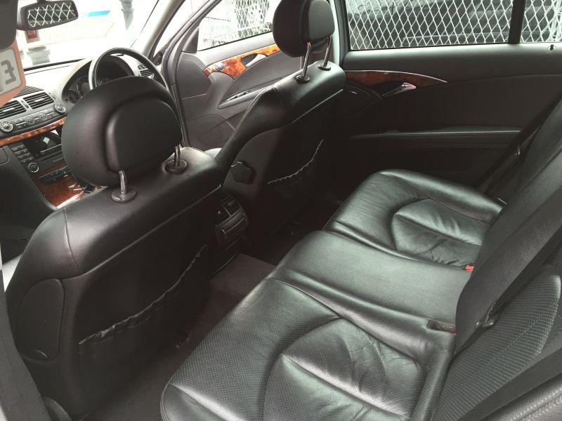 2004 Mercedes-Benz 2.1 E220 CDI Elegance 5dr image 5